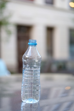 Wasserflasche aus Plastik